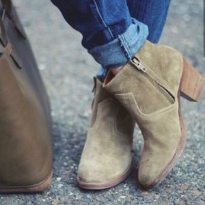 Madewell // 1937 Suede Zipcode Ankle Boots